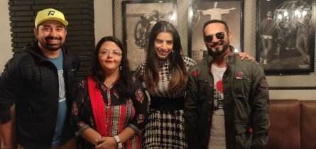 Shailaza Singh, author of best seller Faith-The Mystery of the Missing Girl with Rannvijay Singha, Gaelyn Mendonca and Nikhil Chinapa of MTV Roadies